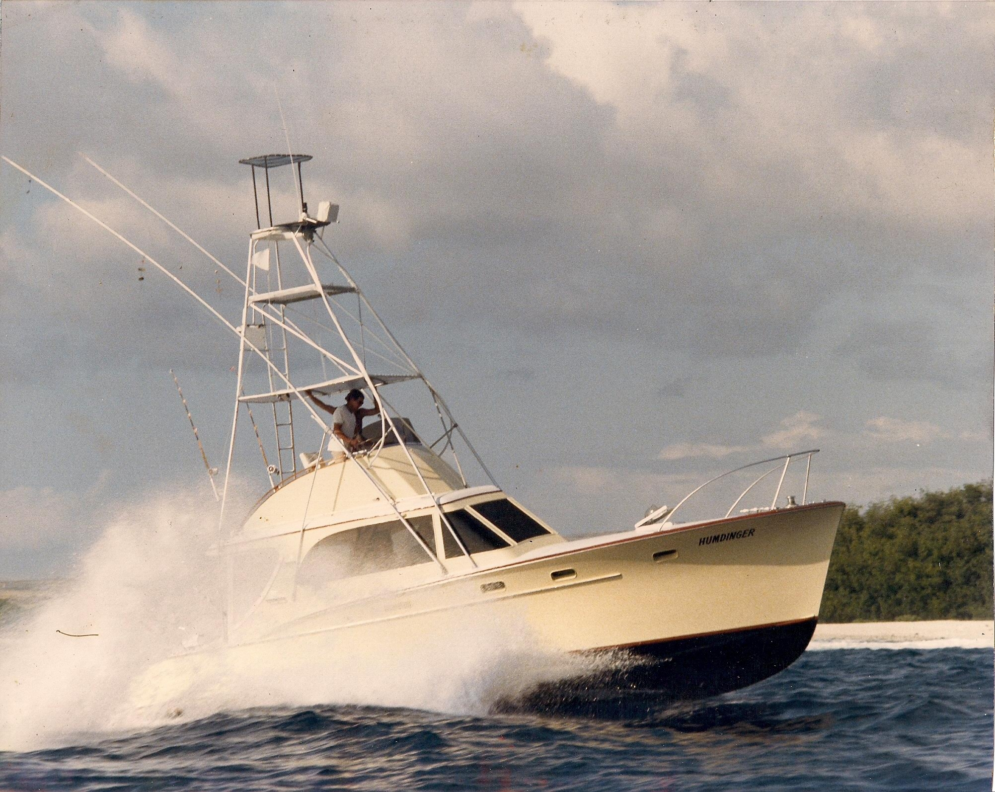 Humdinger sportfishing kona hawaii fishing charters in for Kona fishing charters